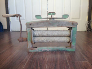 Antique 1920's Metal Hand Clothes Wringer