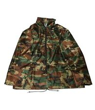 Adults lightweight camouflage Showerproof zip up jacket with pockets. Size L