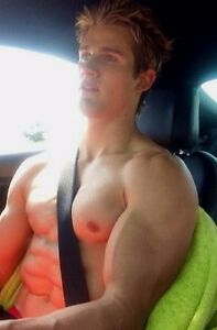 Shirtless Male Beefcake Muscular Blond Hunk Huge Pecs Arms Car PHOTO 4X6 C1856