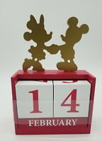 Disney Mickey Mouse & Minnie Mouse Perpetual  Wood Block Desk Calendar New