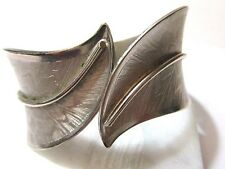 SILVER TONE CLAMPER BRACELET FLORENTINE AND SHINY ACCENT ETCHED VINTAGE LEAVES
