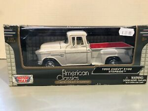 Motor Max 73200AC, 1:24 1955 Chevy 5100 Stepside in poor box