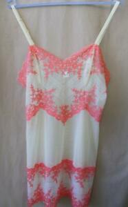 Wacoal Embrace Lace XL Shapewear Slip Sheer Cami Chemise Peach Coral 814191
