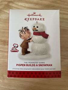 2013 HALLMARK - The Peanuts Gang -PIGPEN BUILDS A SNOWMAN - KEEPSAKE ORNAMENT