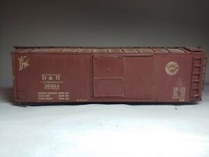 Vintage O Scale D & H Walthers Box Car  wooden kit built old time