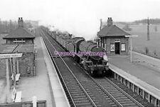 "pu1935 - Railway - Brookmans Park Station/WD Austerity 90613 - photograph 6""x4"""