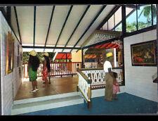 TAHITI (POLYNESIE) MUSEE GAUGUIN FONDATION SINGER-POLIGNAC intérieur animé