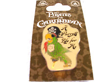 Disney * Pirates of the Caribbean - A Parrots Life For Me * New on Card Potc Pin