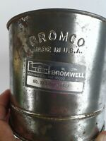 Vintage Antique Farmhouse Bromco Flour Sifter Squeeze Handle 3 Cup Patina USA