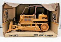 ERTL CASE 1550 Bulldozer - 1/16 Scale
