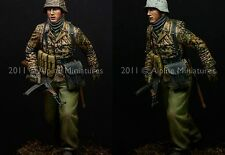 "Alpine 16011 Grenadier ""Kampfgruppe Hansen"" WW2 1/16th Model Unpainted kit"