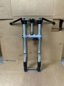 HONDA CBR 929 Front End, Forks, top & bottom yokes, wheel spindle, Clip ons (7)