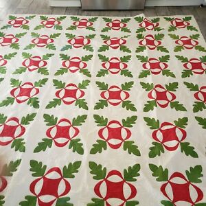 STUNNING ANTIQUE QUILT RED AND GREEN APPLIQUE  EXCELLENT circa 1900s,HAND QUILT