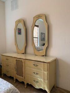Henry Link Vintage Bedroom Set