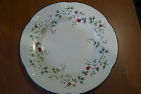 "Pfaltzgraff Christmas Winterberry  9"" Lunch Plate Good Condition"