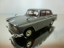 VANGUARDS MORRIS OXFORD AUSTIN CAMBRIDGE - GREY+WHITE 1:43 - EXCELLENT - 12