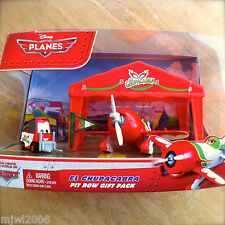 Disney Planes EL CHUPACABRA PIT ROW GIFT PACK with PITTY tent & flag diecast set