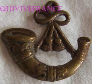 dIN136 - WWI British Army Oxfordshire & Buckinghamshire Light Infantry Collar bg