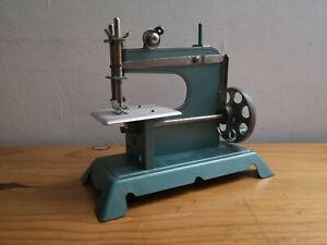 JOUET ENFANT # MACHINE A COUDRE # ANNEE 60