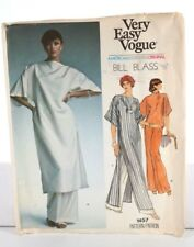 Vintage 1970 Very Easy Vogue Bill Blass Tunic Top & Pants Sewing Pattern Size 10