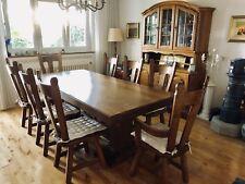 Rittertisch, 8 Stühle, Anrichte Massivholz Eiche & Kronleuchter