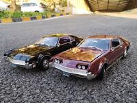 1/18 1966 OLDS MOBILE TORONADO Road Signature Diecast Model Car Toys Black/Red