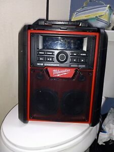 Milwaukee 2792-20 M18 Job Site Radio and Battery Charger W/Bluetooth