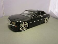 JADA 1/24 DUB CITY BLACK CHRYSLER 300C USED *READ* NO BOX