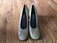 BALLY Womens Green Leather Pumps Shoes Heels Style - Mirielle- Sz 6  - ITALY
