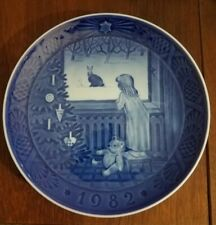 "1982 Royal Copenhagen Annual Plate ""Waiting for Christmas"""