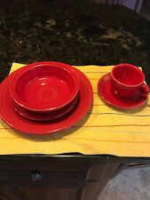Fiestaware 5 piece place setting in red very good condition