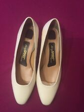 """New Ladies Easy Spirit Shoes Soft Leather  """"Lovely"""" Size 8/5 Cream Made In USA"""
