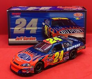 1/24 Jeff Gordon #24 DuPont 2007 Monte Carlo SS NASCAR Diecast Car by Action