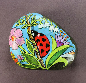 LUCKY LADYBUG STONE ART Hand Painted Rock Folk Flowers Home Decor Ladybird Love