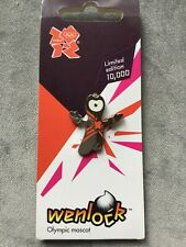 WENLOCK POSE PIN BADGE London 2012 Olympic Games on official card
