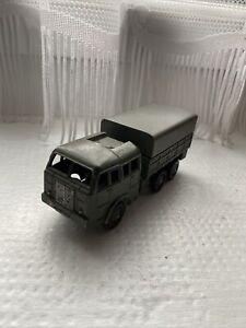 vehicules militaires dinky toys. Tout Terrain Berliet Avec Bache Metalique Tres