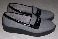 LIFESTRIDE Sims Womens Sz 8M Gray w/ Black Trim Penny Loafers Wedge Slip On Shoe