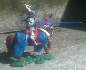 BRITAINS Swoppet mounted knight charging with lance.  Excellent condition!