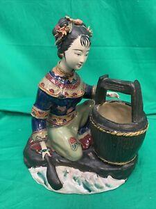 Statuette japonaise en porcelaine
