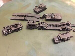 roco minitanks 1/87 Modern USA Tanks , Trucks Large Lot