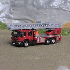 1:160 Spur N Feuerwehr Scania Drehleiter DLA 55 Hubrettungsbühne NEU OVP Vitrine