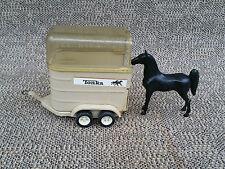 Antigua pequeña remolque caballos + un caballo miniatura juguete antiguo Tonka