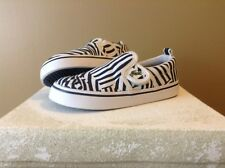 Lacoste Youth Sz 8 Hook And Loop Fastening Zebra Print Canvas Sneakers