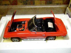 Franklin Mint 1:12 Scale Connoisseur`s 1967 Corvette-PAPERS & BOX-