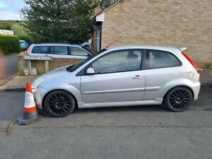 2006 FORD FIESTA MK6 ST 150 SILVER  BREAKING SPARES PARTS OIL CAP