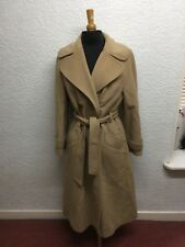 Cashmere and wool blend winter coat Size 12, chic stylish classic