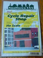Smalltown USA HO #699-6019 Cycle Repair Shop - Kit --