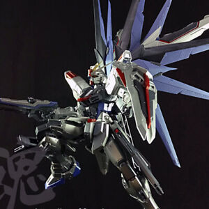 1/100 MG Freedom Gundam Action Figure Silver Anime Model Kit Toy PVC New Bandai