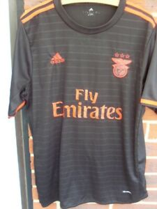 FOOTBALL SHIRT BENFICA ADULTS SIZE  EXTRA LARGE  2016-17