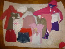 Gros lot 35 vetements fille shorts jupe robes  hauts pyjama T. 18 / 24 mois